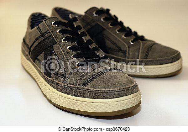 Zapatos cómodos - csp3670423